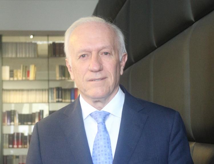 """Agustín Azparren: """"La mediación supone un ahorro enorme para las personas y el Estado"""""""