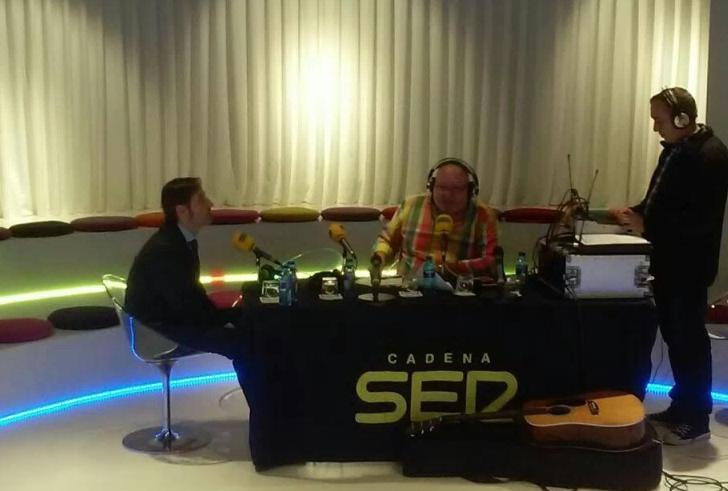 El Circus by Borja retransmite en directo su primer programa de radio