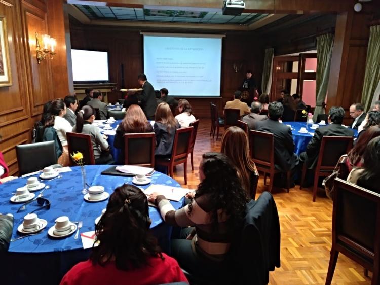 ONTIER imparte una charla sobre el perdonazo tributario en Bolivia