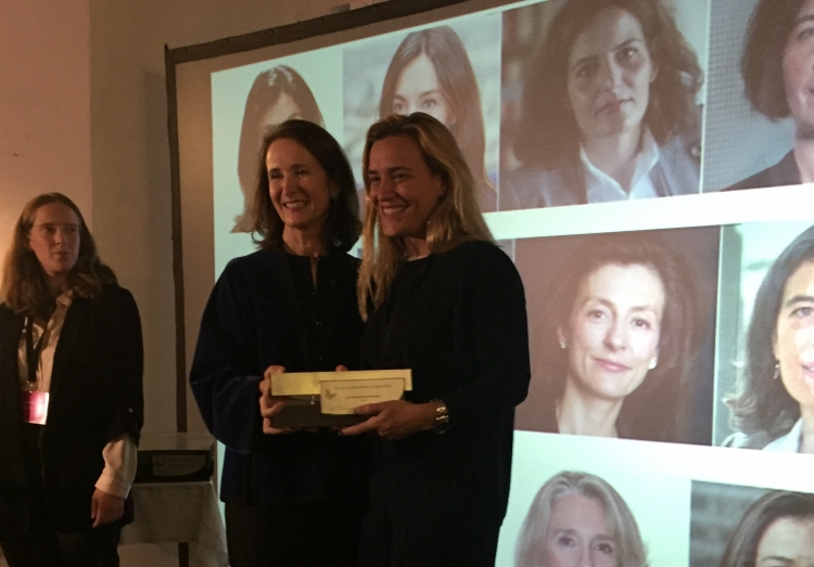 Cristina Camarero, socia de Procesal de ONTIER España, premiada ayer en la gala de InspiraLAw