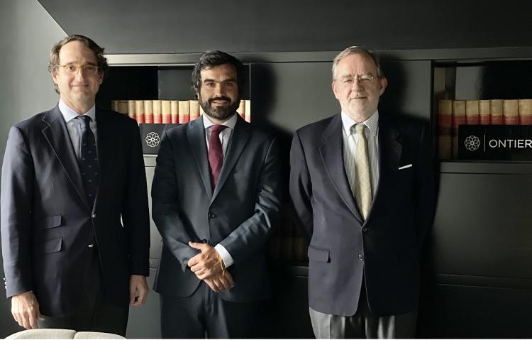Expansión features the signing of Álvaro Barro into ONTIER
