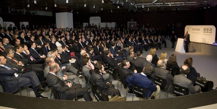 Suárez Illana presenta en Oviedo la 'aventura' de Ontier, 'un despacho global, al servicio de la empresa'