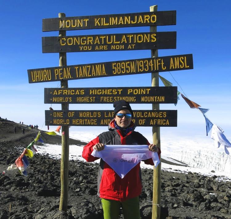 ONTIER sube a lo más alto: la cumbre del Kilimanjaro
